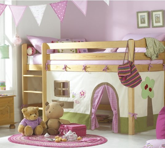 Ideas para decorar la cama de las ni as planeta ni as for Cuartos de nina de 4 anos